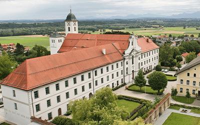01 Rotter Kirche mit Blick %C3%BCbers Inntal 1 - Gemeinden