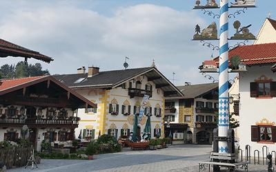 Dorfplatz T%C3%B6rwang 2x3 - Gemeinden