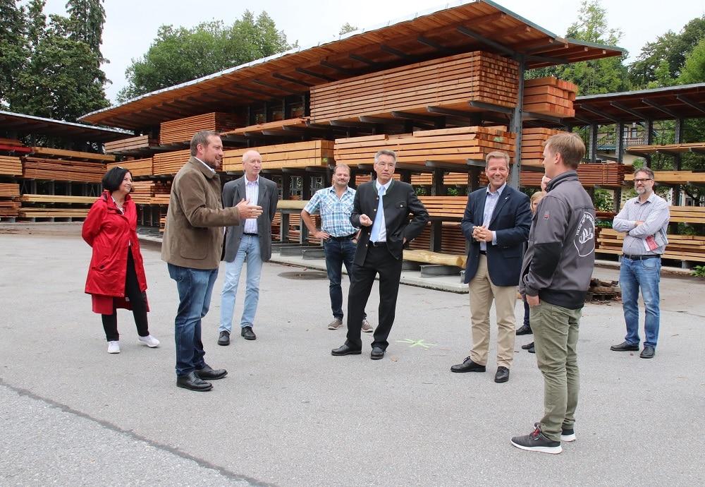 Führung über das Betriebsgelände der Firma Richter Spielgeräte GmbH in Frasdorf
