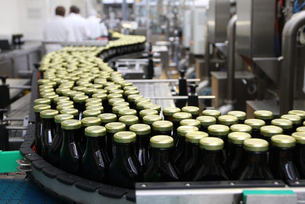 Salus Flaschenbefüllung bei der Wirtschaftsförderunge Rosenheim