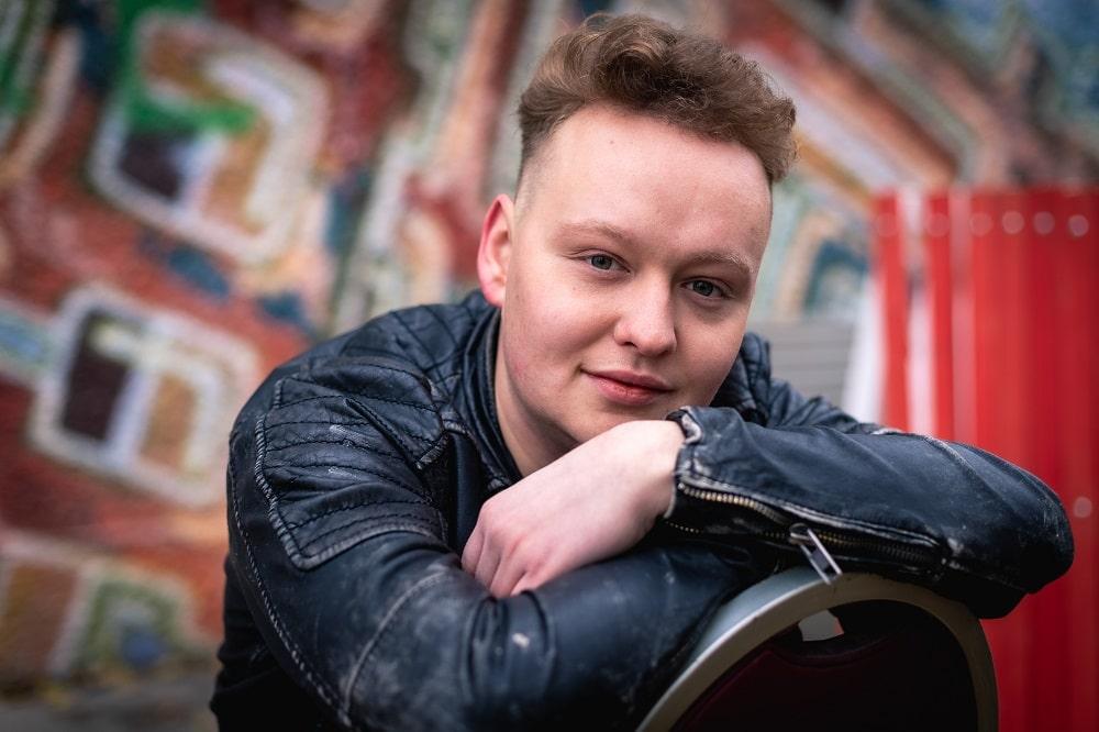 Vielversprechendes Talent - Filmemacher Sebastian Schindler bekommt den Kulturförderpreis des Landkreises Rosenheim 2020. Bildquelle: Bildwerk82