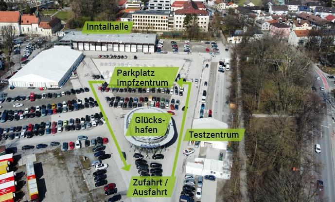 Luftbild Zufahrt Impfzentrum, Bildrechte: Stadt Rosenheim