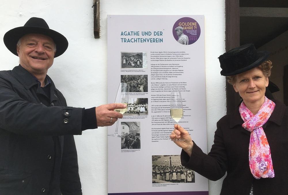 Kulturreferent Christoph Maier-Gehring und Projektleiterin Michaela Firmkäs bei der kleinen aber feinen Ausstellungseröffnung