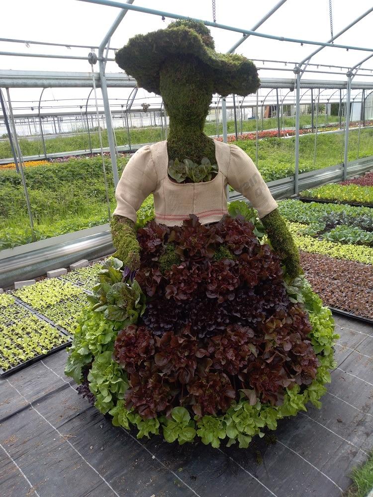 Das Salat-Dirndl für die Landesgartenschau